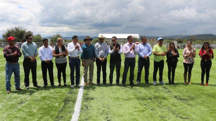 Gran Inaguración del campo de pasto sintético y final de fútbol